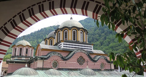 Day tour from Borovets to Rila monastery and Stob's pyramids